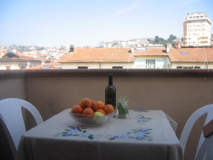 Apartment  on the roofs of La Spezia, city centre.