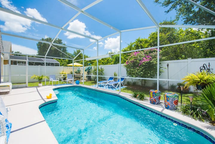 $147+ Poolhome for 6, 10 mins. from Disney!