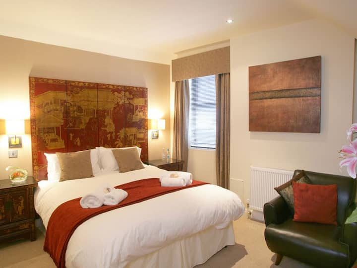 Spacious king double room