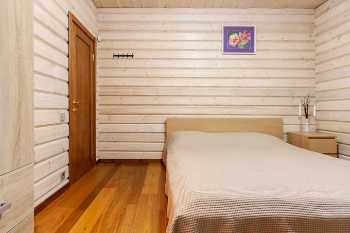 Спальня на 1-м этаже