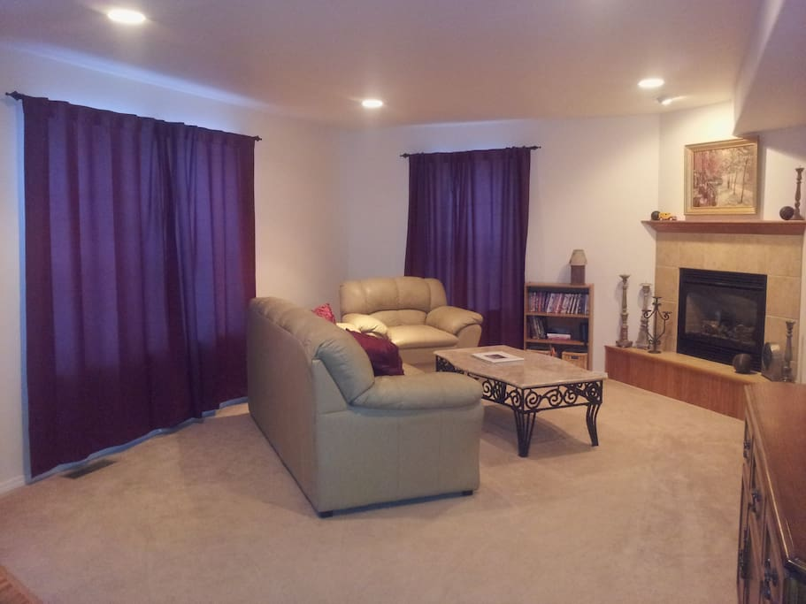 Family Room (50 inch HDTV not in picture)