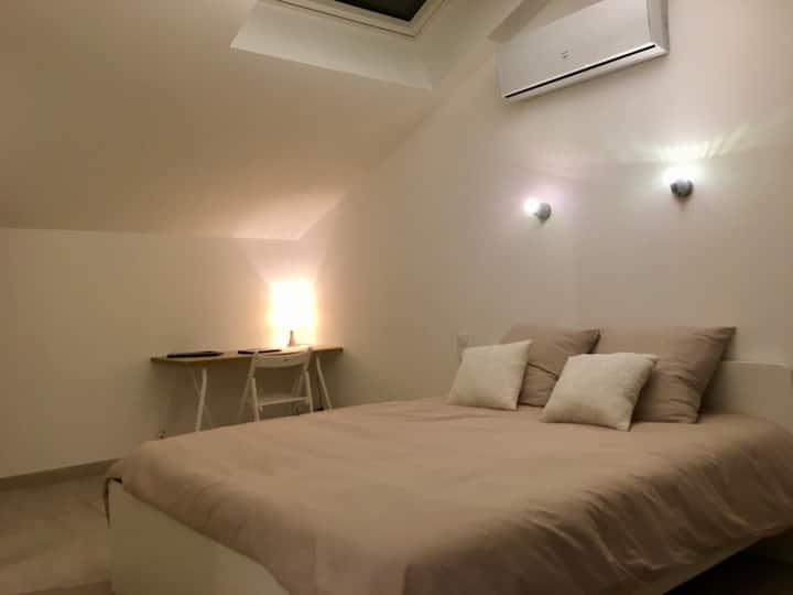 Chambre Double Pertuis proche Aix en Pce / Luberon
