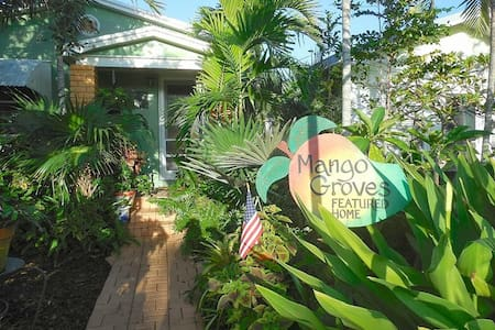 Historic stay minutes walk from Downtown & Beach - Lake Worth - Guesthouse