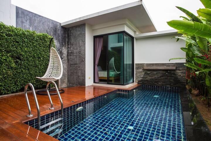 Majestic Bangtao Villa - Private swimming pool