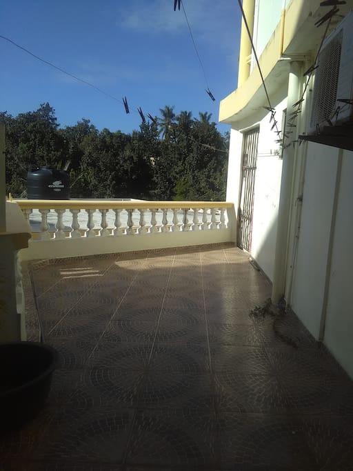 HERMOSO PAISAJE,  Area de patio. Y de tender la ropa