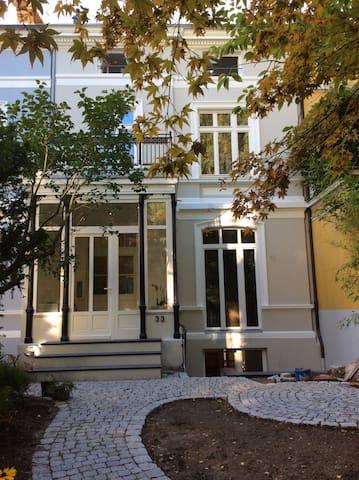 Zentrales Appartement im Grünen