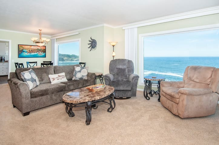 Whales and Outstanding Rocky Surf Views from this Depoe Bay Oceanfront Perch!