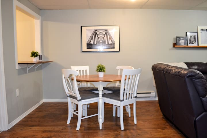 Spacious 2 Bedroom Unit - Gatineau - Apartemen
