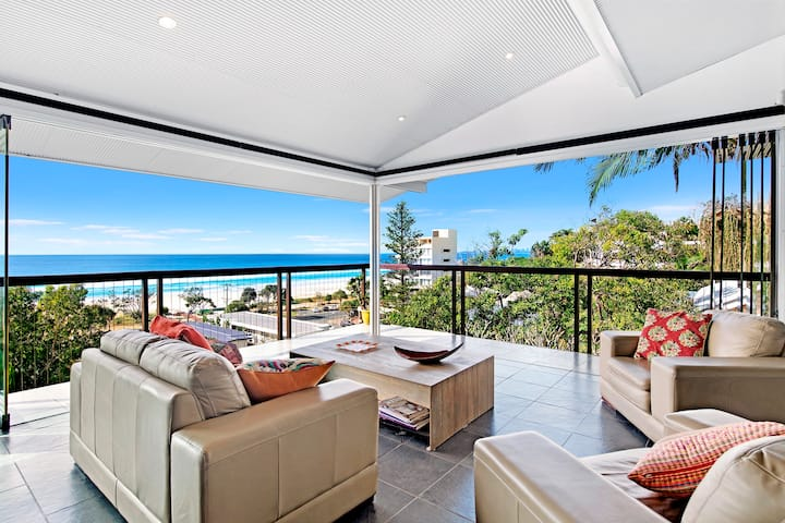 VOGUE HOLIDAY HOMES - BEACH PANORAMA