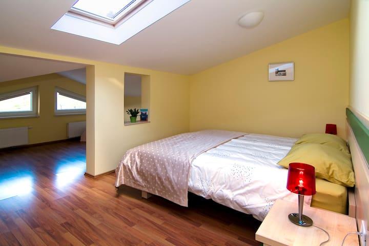 Room Smarnica