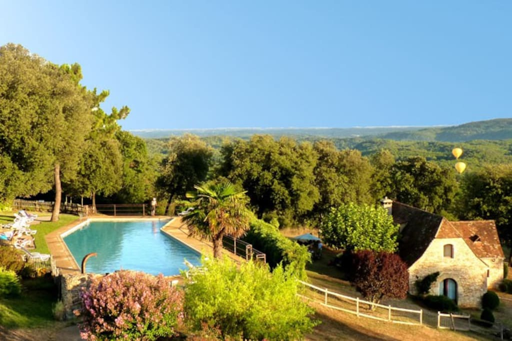 Studio 3km de sarlat vue sur vall e piscine 25m in for Piscine 25m