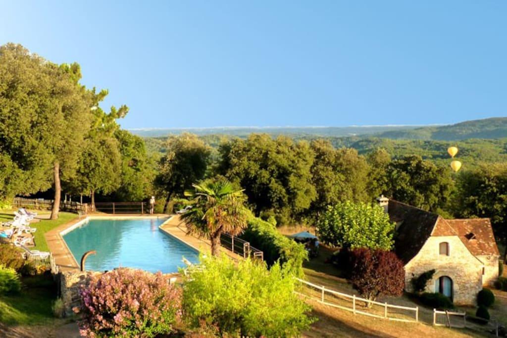 Studio 3km de sarlat vue sur vall e piscine 25m in for Piscine 25m