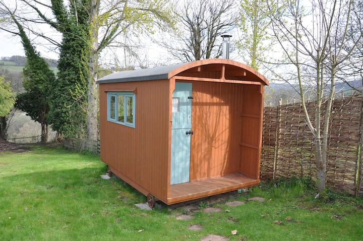 Shepherds Hut Retreat - Self-Contained & Peaceful