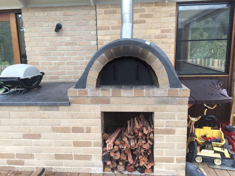 Amazing pizza oven and gas BBQ