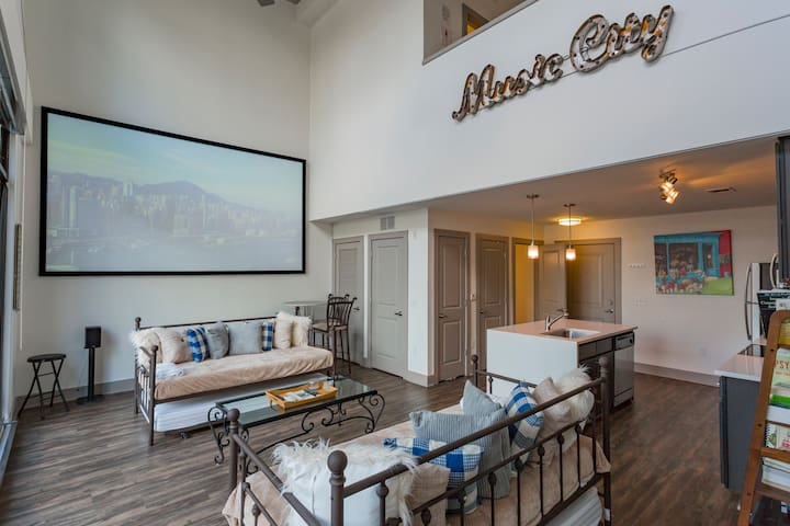 Boutique Midtown Loft Minutes from Downtown