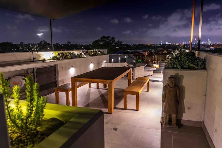 Cool new pad with amazing rooftop garden