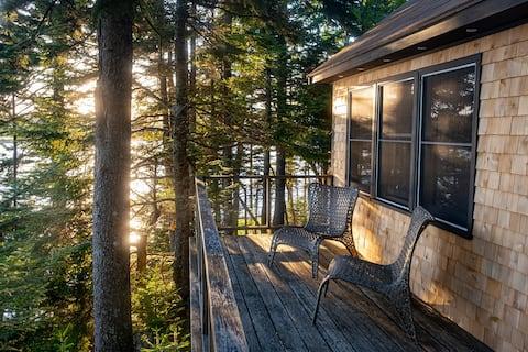 Downeast Waterfront Island Cabin- Balsam Ledge