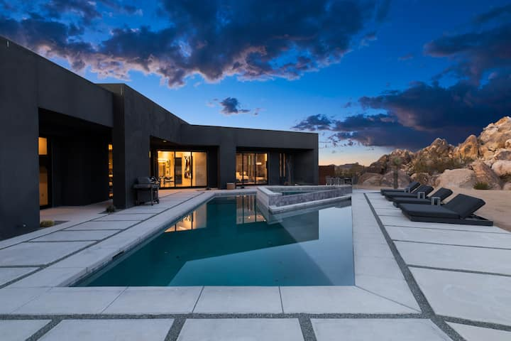 Boulder Cove Joshua Tree   Luxury Modern Home with Pool and Hot Tub