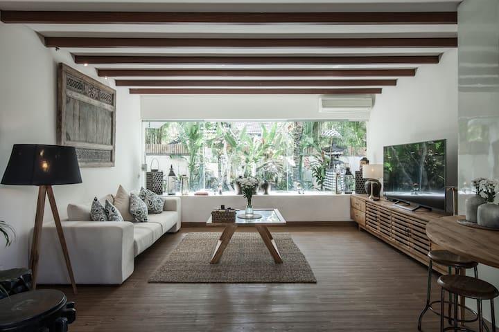 Enclose Living Room