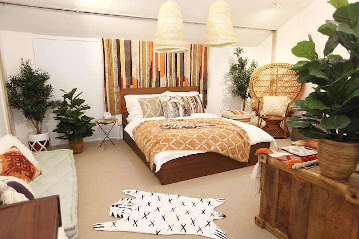 Stylish & Chic, Moroccan Loft in Shophouse!:)