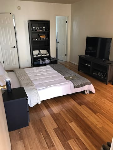 Cozy Bachelor Studio - Los Angeles - Apartmen