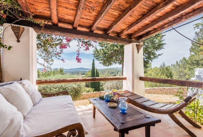 Experience Sun Door Ibiza to Bali dreaming Retreat - Santa Eulària des Riu - Bed & Breakfast