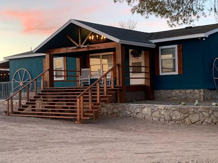 Cozy-Chic Farm House at Los Alio Farm, NM and TX