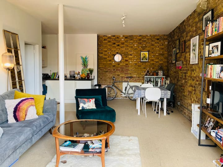 Stylish, bright flat in the ❤️ of London Fields