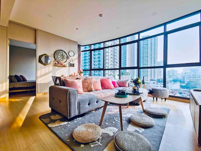 Instagrams style 2 Bedroom,  Asoke , Central world