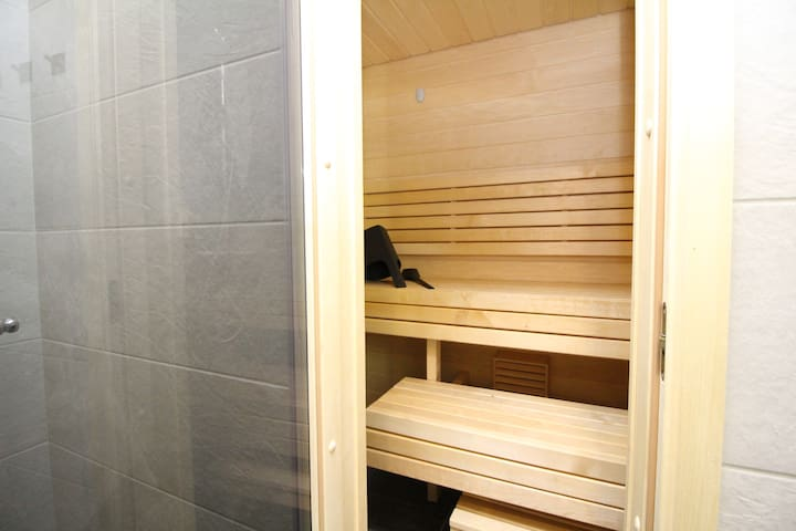 3 bedroom with sauna in Old Town