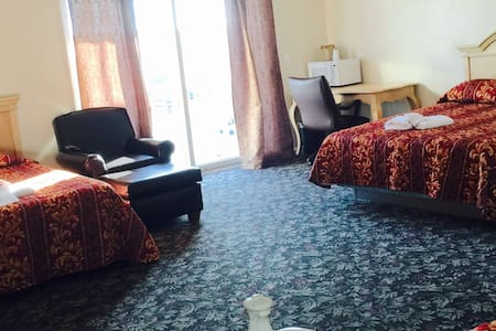 Large suite w/ balcony - 6 person - Seaside heights