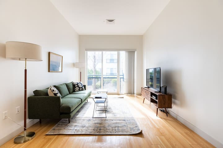 Unique Studio in South Boston w/ Concierge + Gym