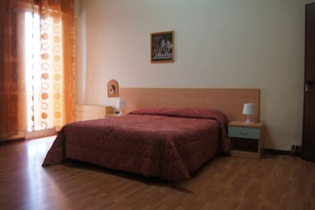 Lovely Di Cagno Rooms for You - Bed & Breakfast