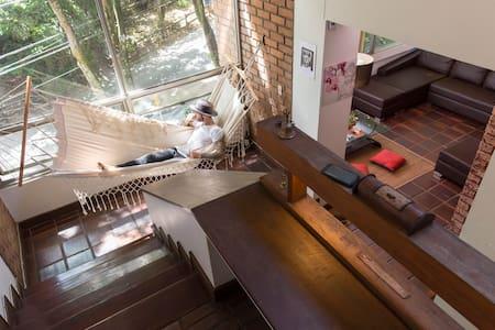 AMAZING LUMINOUS LOFT MASTER BEDROOM with pvt BATH - 麥德林(Medellín) - Loft空間