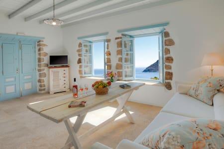 THEOLOGOS HOUSES Villa in Grikos - Patmos