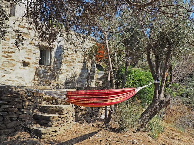 Socrates' stone house, Triantaros
