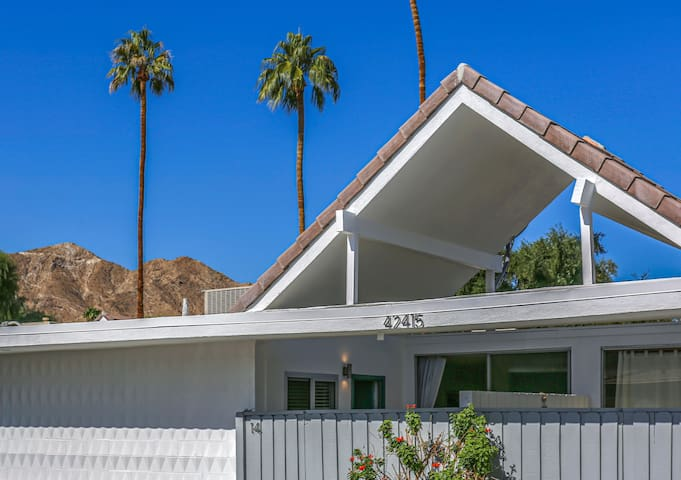 Rancho Chalet- Mid Century A-Frame under the Palms