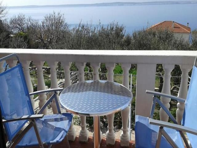 Comfort 2 Bedroom Ap with Balcony&Sea View (A1)