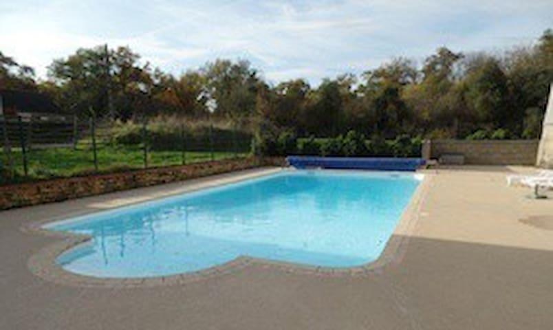 Gite avec piscine chauffée - Faveraye-Mâchelles