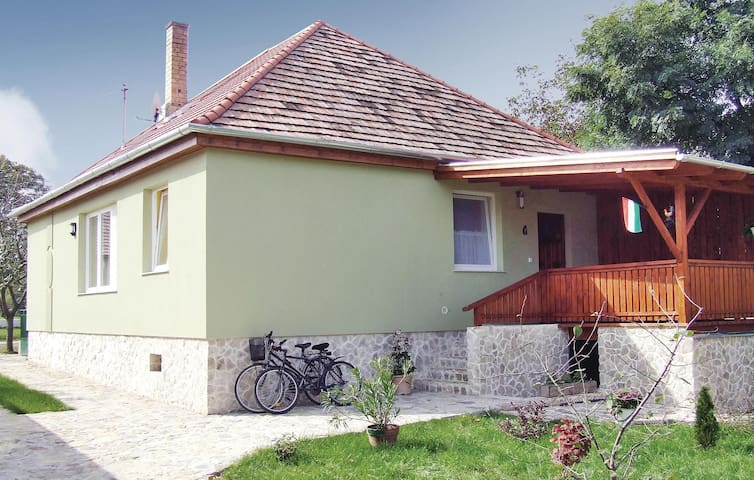 Holiday cottage with 2 bedrooms on 95 m² in Buzsák