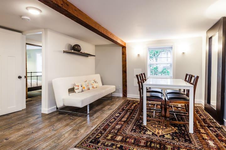 Cozy Vancouver Suite near a park and transit