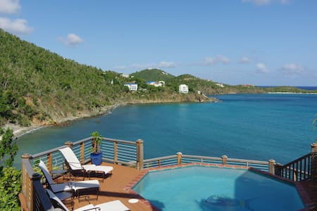 Hear the ocean from your waterfront room - La Mer