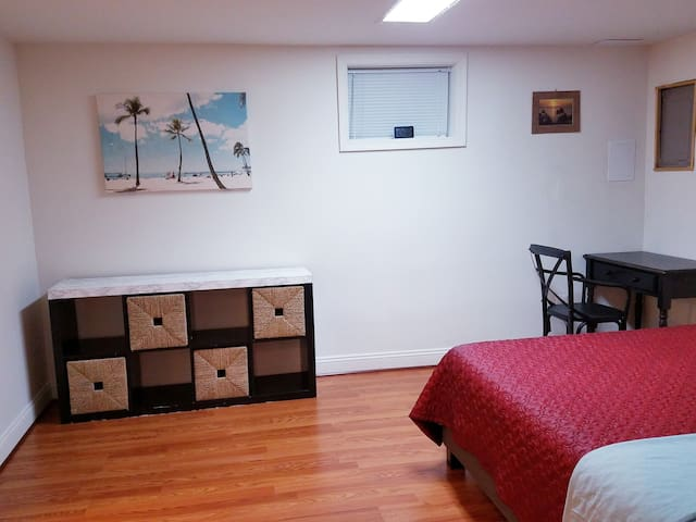 DEAL  EN-SUITE NEAR DC/AIRPORT/NATIONAL HARBOR/MGM