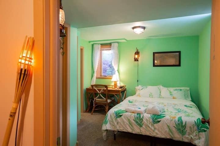 Island cabana /w master bathroom near Minneapolis