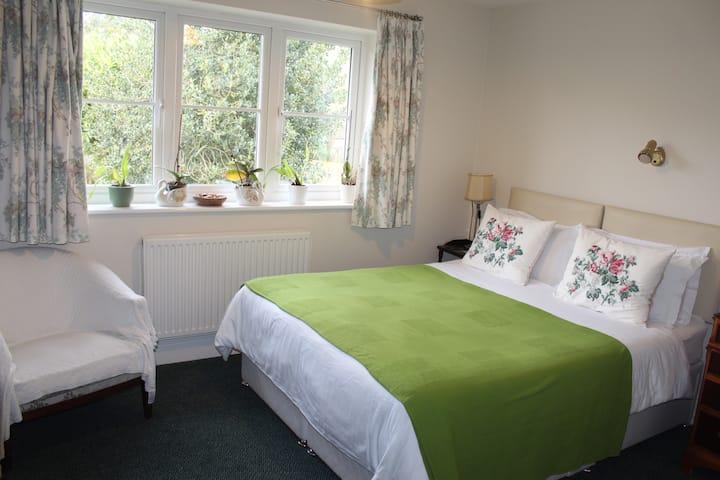 Double Room with en-suite shower