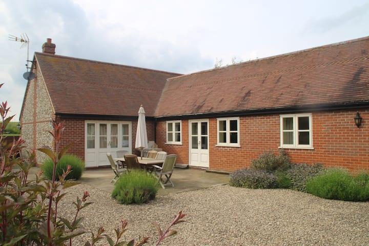 Modern cottage in idyllic location