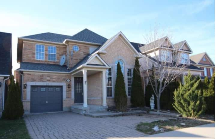 Luxury 4 BR Detached House
