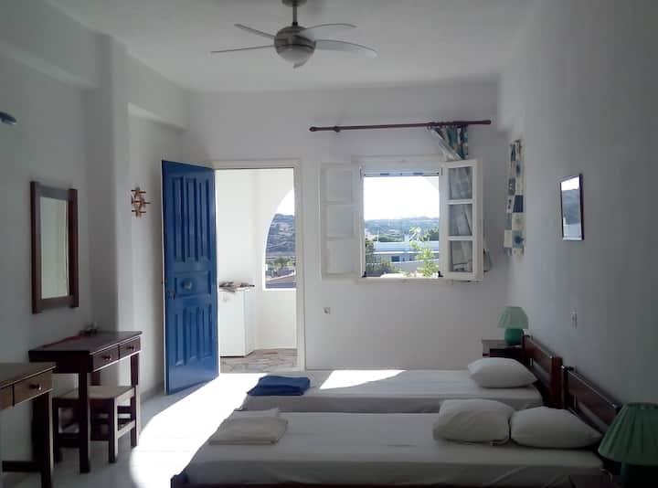 Ideal studio near the beach #2.. Aliki/Paros