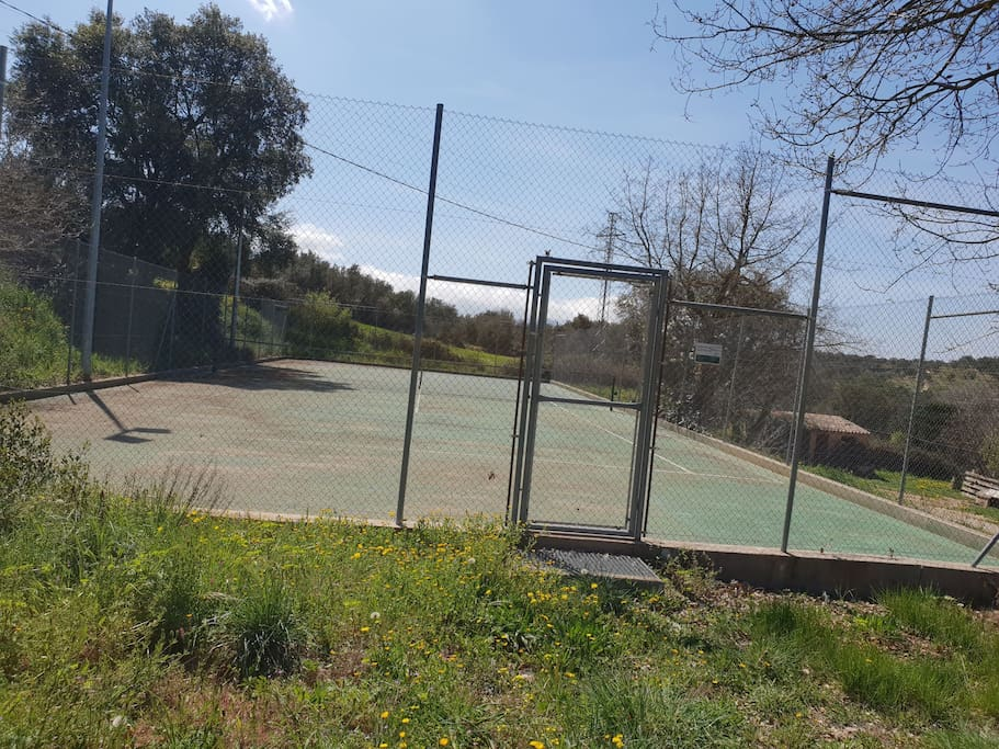 Prived Tennis Court  !!!