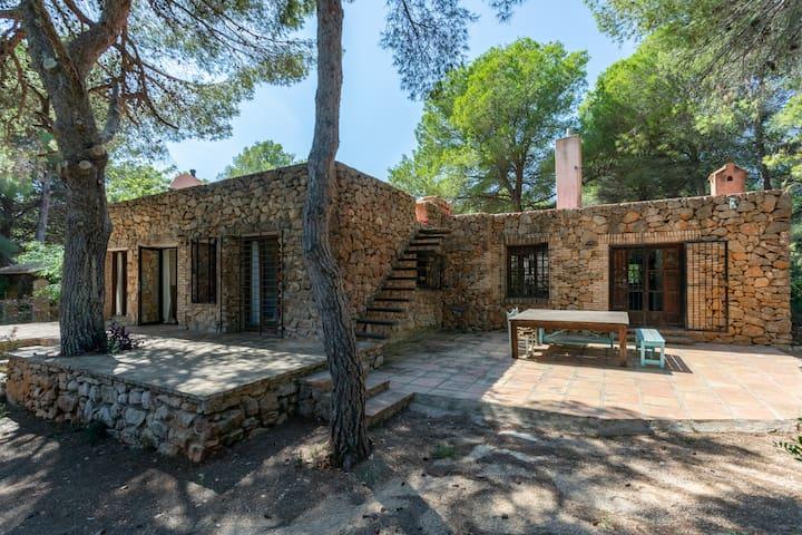 Casa Purnasya-Cosy rustic home-Private pool&garden